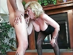 Squirting porno clip - real mom sesso